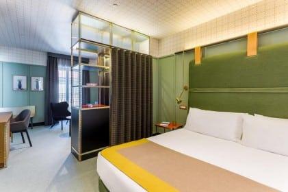 grote kleurrijke kamer